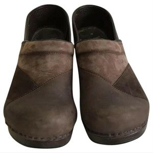 DANSKO CLASSIC CLOGS-Brown-Size US 10.5